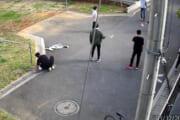 【新型コロナ】休校中の子どもたち、外で元気に遊ぶwwwww